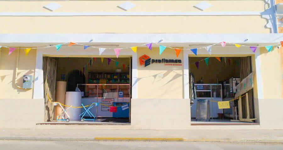 fachada tienda empaques proflemsa merida