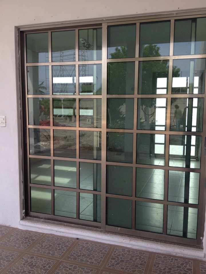 Vidrios y aluminios amalia 2 en kanasin merida yucatan for Puertas de lujo de herreria